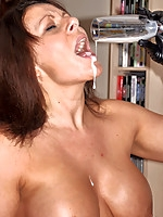 carlycumslut.com the dirty slut milf who just loves cream pies
